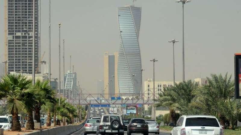沙烏地阿拉伯首都利雅德的「扭腰大廈」曾令許多前去考察的中國官員讚嘆。(BBC中文網)