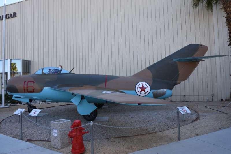 漆著北韓機徽的MiG-15殲擊機,在韓戰時主要是由史達林派遣到東北的俄國飛行員駕駛。(作者許劍虹提供)
