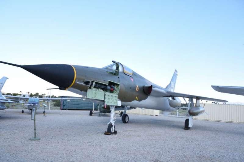 F-105雷長式戰鬥轟炸機,雖然沒有為中華民國空軍使用過,但也曾來台南亞洲航空維修保養過。(作者許劍虹提供)