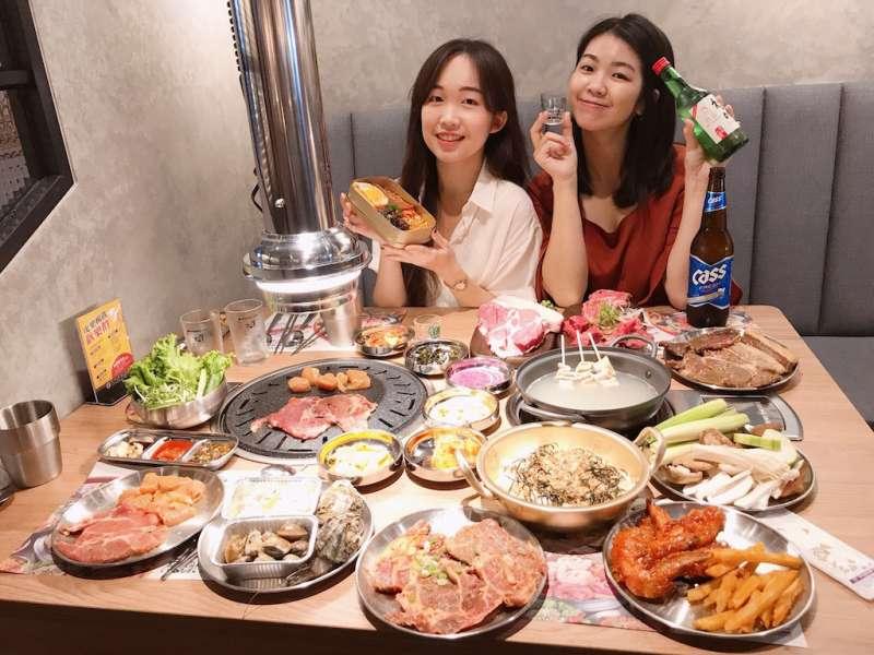 泉成餐飲旗下全新品牌「虎樂日韓精肉海鮮火烤吃到飽」,即將在草衙道開幕,韓式與日式鍋物、燒肉一次到位。(圖/徐炳文攝)