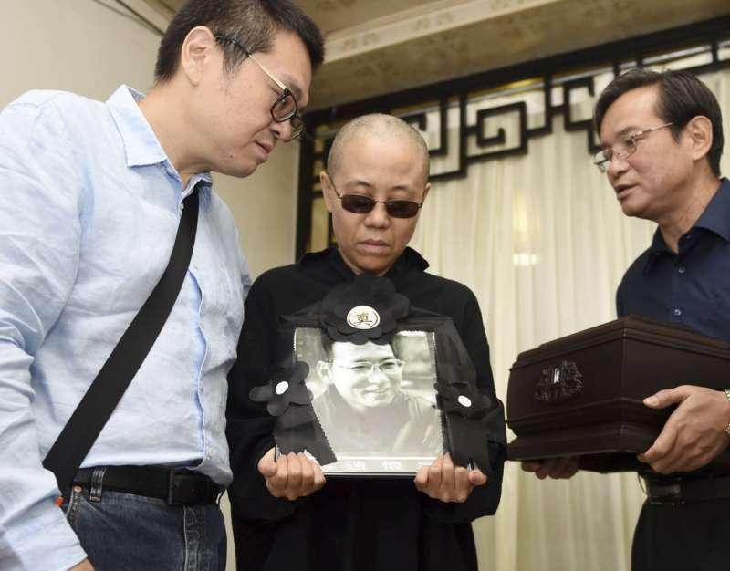 劉曉波遺孀劉霞在劉曉波獲諾貝爾獎後遭中共政府軟禁,直到2018才獲准出境。(美聯社)