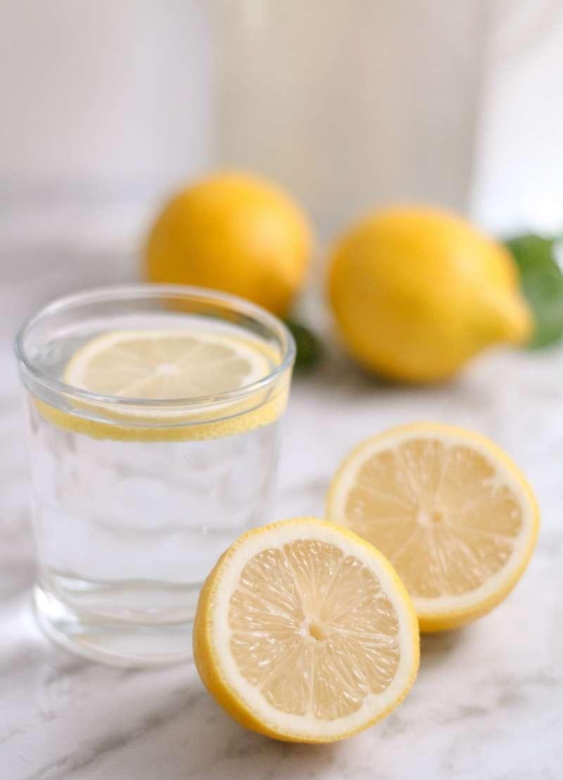 如果生命給你一顆檸檬,你就把它拿來做成一杯檸檬汁吧!(圖/Unsplash)