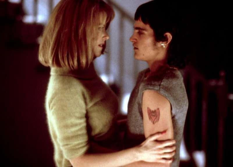 哥哥過世後,瓦昆·菲尼克斯與妮可·基嫚合演《愛的機密》(圖/IMDb)