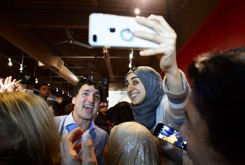 加拿大國會大選將於21日登場,總理杜魯道馬不停蹄出席造勢活動。(AP)