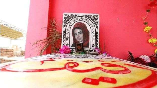 拉菲·亞斯利在巴格達的墓碑。(BBC中文網)