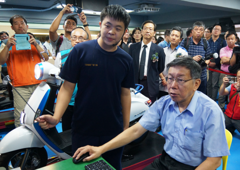 台北市長柯文哲強調技職教育要能跟國家產業發展結合,尤其能源政策不是單獨存在的,是要跟產業、教育政策合在一起,才能有效率建設國家,解決失業率也解決缺工問題。(李義章攝)