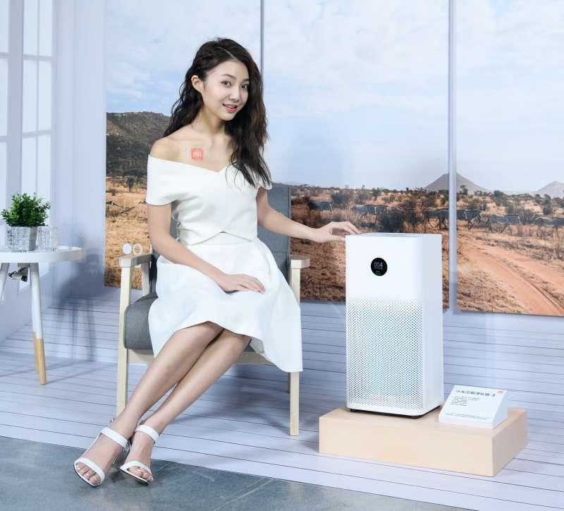 小米此次發表的空氣淨化器 3,具有高達400m³/h的顆粒物 CADR(Clean Air Delivery Rate,潔淨空氣量),每分鐘可輸送6660公升潔淨空氣,較前代提升29%,適用面積可達48平方公尺 (圖/小米台灣)