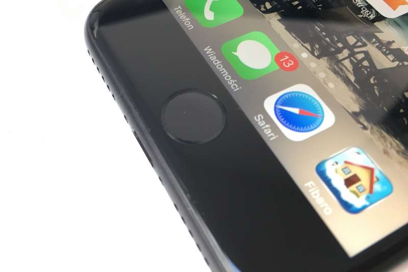 iPhone疑似將iOS手機內建Safari,把瀏覽資料傳給中國騰訊,對此蘋果已聲明澄清。(圖/pixabay)