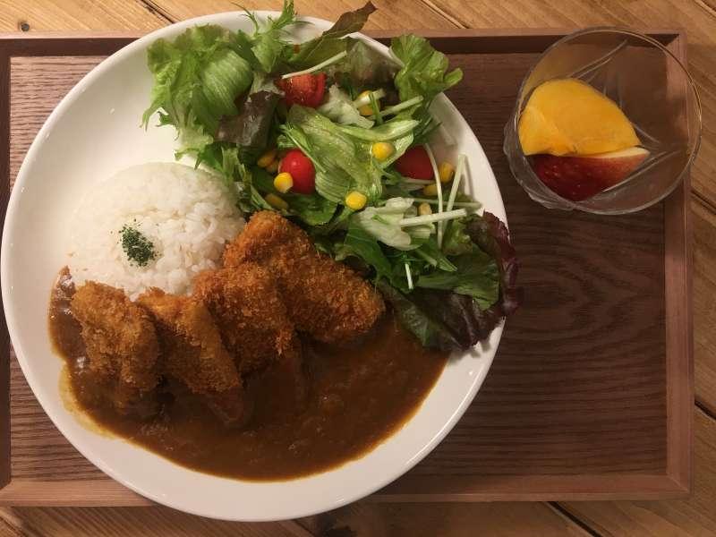 筆者大推TSUMUGU CAFE的咖哩飯。(圖/陳毅龍攝)