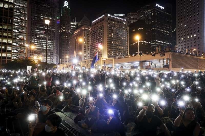 2019年10月19日,香港反送中運動,市民舉行「國際人道救援祈禱會」(AP)