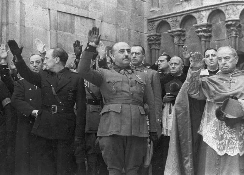 佛朗哥生前鐵腕統治西班牙近36年,留下血跡斑斑的人權紀錄。