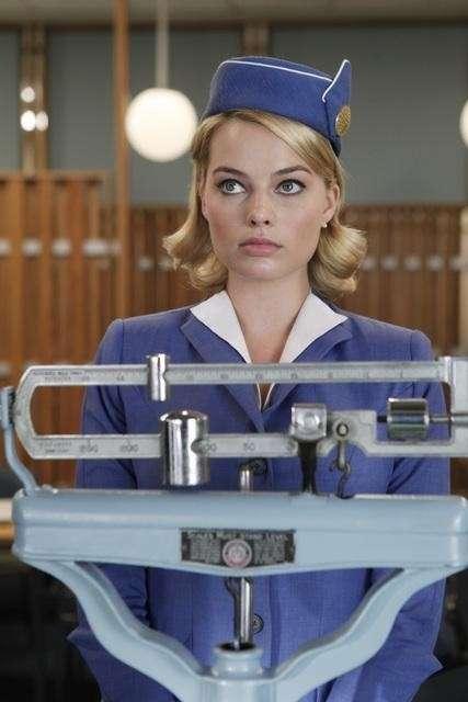 瑪格羅比參與美國電視劇《泛美之旅》(Pan Am),飾演端莊優雅的空姐。(圖/取自IMDb)