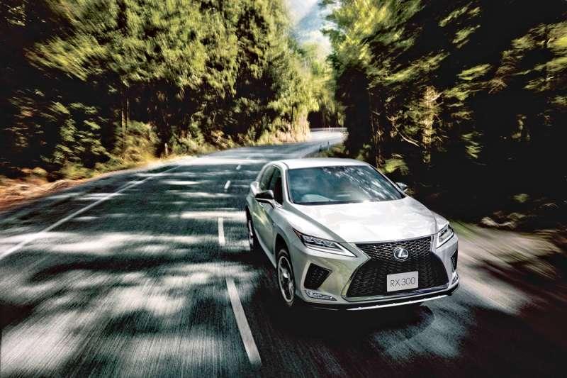 RX小改款之後完善了駕駛輔助與科技豪華配置,也將對其他對手形成強大的競爭壓力。(圖/車訊網)
