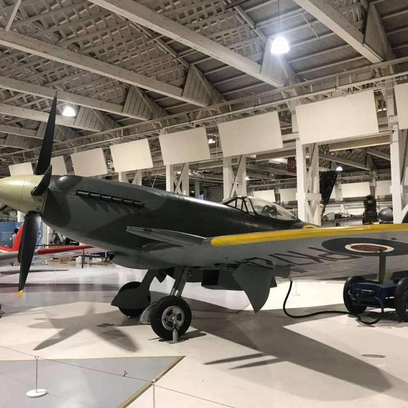戰後曾駐紮於香港,隸屬於第80中隊的噴火F.24型戰鬥機,目前被陳展於英國皇家空軍博物館內。(作者提供)