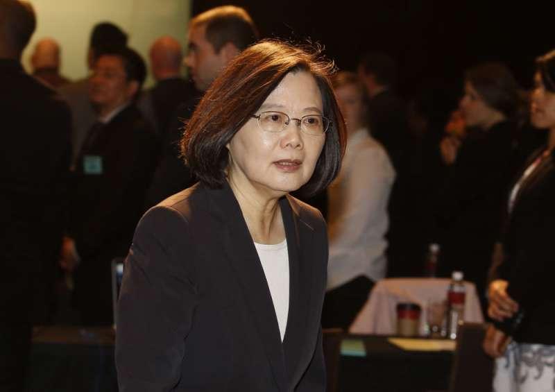「香港不辦,我們來辦」,經過多次轉彎,蔡英文才做了這個宣誓。(郭晉瑋攝)