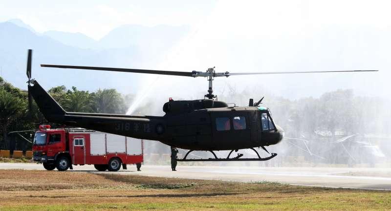 20191030-在台服役超過40年的UH-1H直升機正式走入歷史。(蘇仲泓攝)