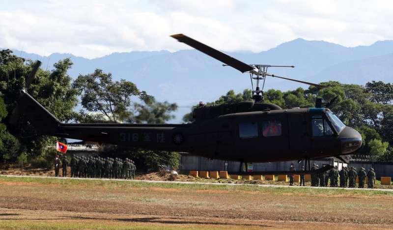 20191030-在國軍服役近50年的UH-1H通用直升機,30日正式除役。(蘇仲泓攝)