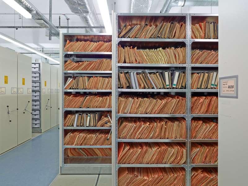 史塔西檔案局的檔案櫃。(BStU官網)