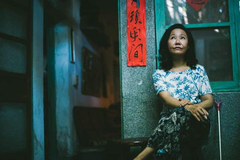 張作驥電影《那個我最親愛的陌生人》劇照,呂雪鳳。(海鵬影業提供)