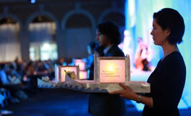 圖說:在倫敦,錫克教和基督教代表與真如苑代表一起同台禱念,一起為全世界祈福(圖/ 真如苑官網)