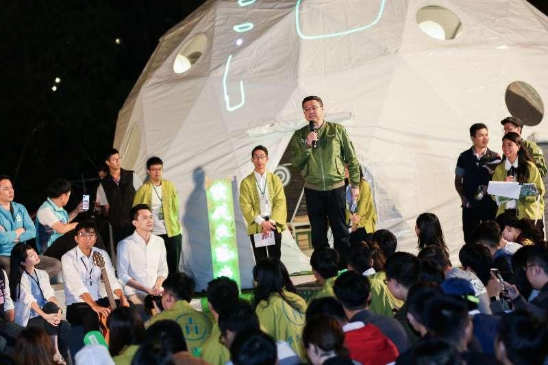 20191101-民進黨主席卓榮泰1日出席民進黨青年總競開幕『給台灣的一封信,為台灣加油-與總統談心之夜』。(簡必丞攝)