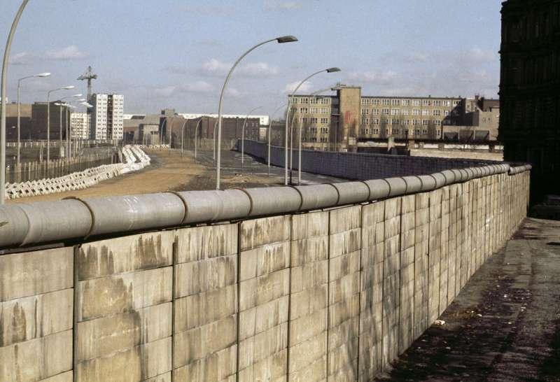 1970年代的柏林圍牆。(AP)