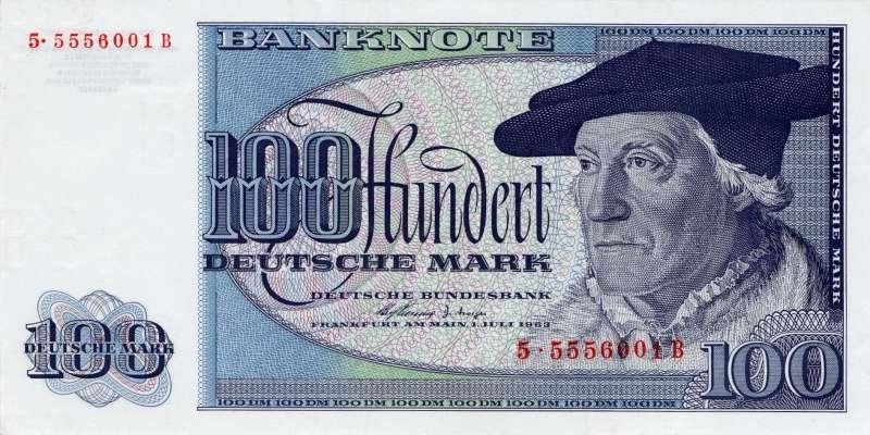 面額100元的德國馬克鈔票。(維基百科公有領域)
