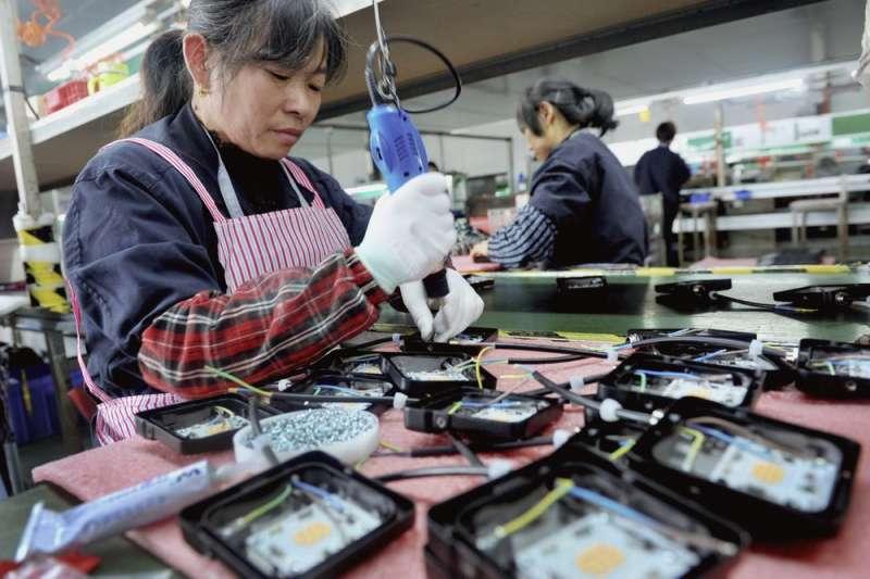北京政府不敢鬆綁法定退休年齡。(AP)