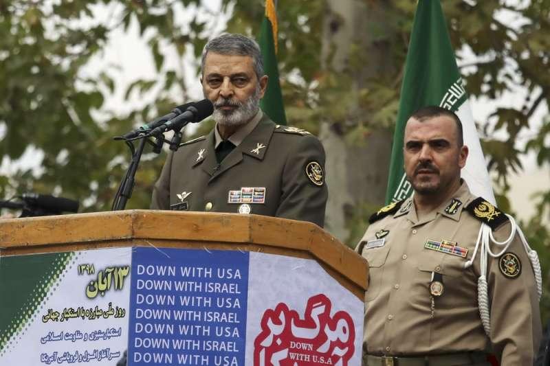 伊朗參謀總長穆薩維將軍(Abdolrahim Mousavi)參與伊朗紀念人質危機的活動。(AP)