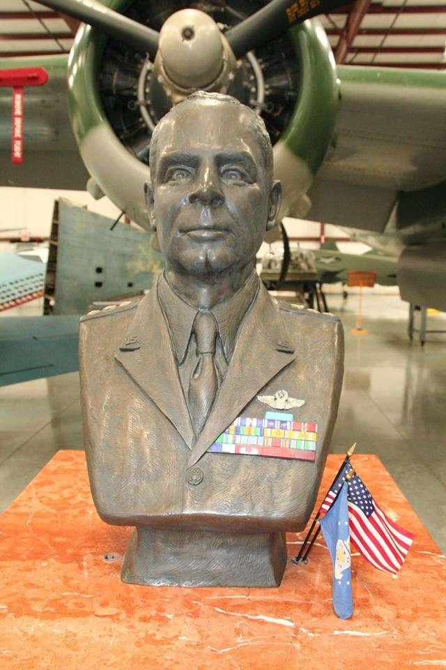 杜立德是美國空軍,甚至美國航空傳奇史上的大人物,不只轟炸過東京,還轟炸過羅馬與柏林,三大軸心國首都全轟炸了一輪。(作者提供)