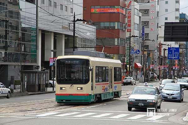 經營富山市內軌道線的富山地鐵,是富山最重要的公共交通。(攝影:陳威臣)圖/想想論壇