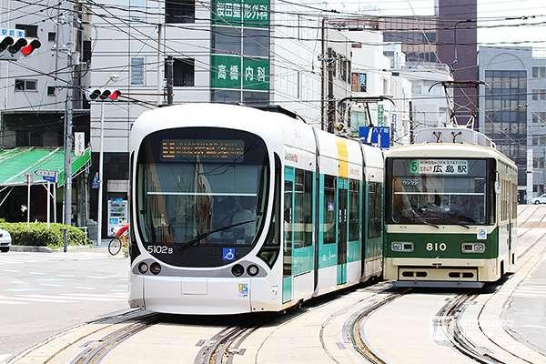 現存最大規模路面電車系統的廣島電鐵,目前也朝向輕軌系統發展。(攝影:陳威臣)圖/想想論壇