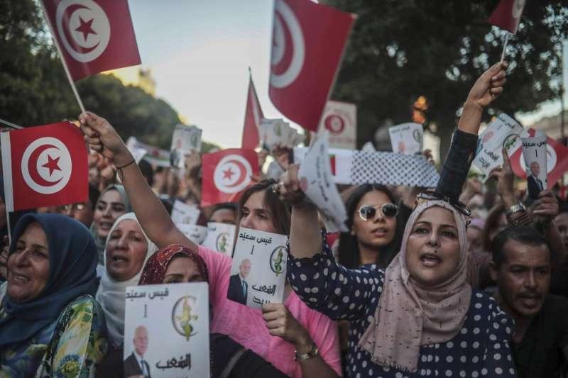 突尼西亞「茉莉花革命」點燃中東民主浪潮,至今仍是唯一在民主轉型上稍有成就的國家。(AP)