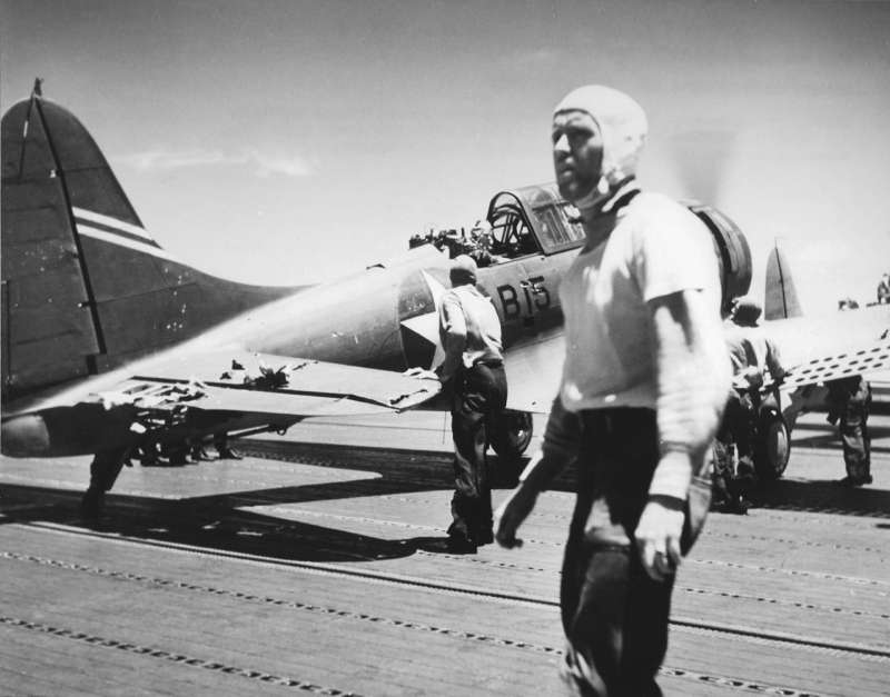 中途島戰爭時,攻擊日本航空母艦加賀號之後返航的SBD無畏式俯衝轟炸機,機身上的彈孔清晰可見(Wikipedia/Public Domain)