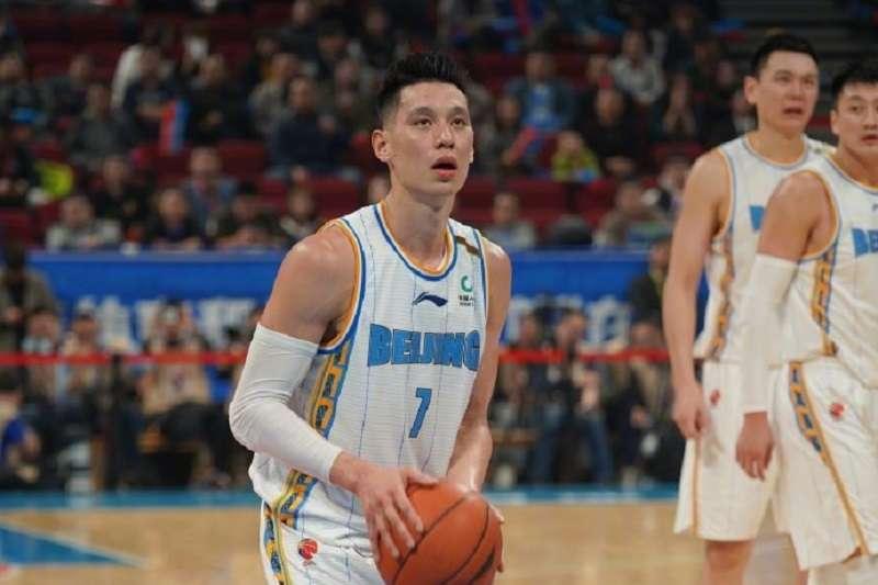 林書豪攻下本季最高的27分,率領北京首剛拿下開季4連勝。 (圖片取自林書豪微博)