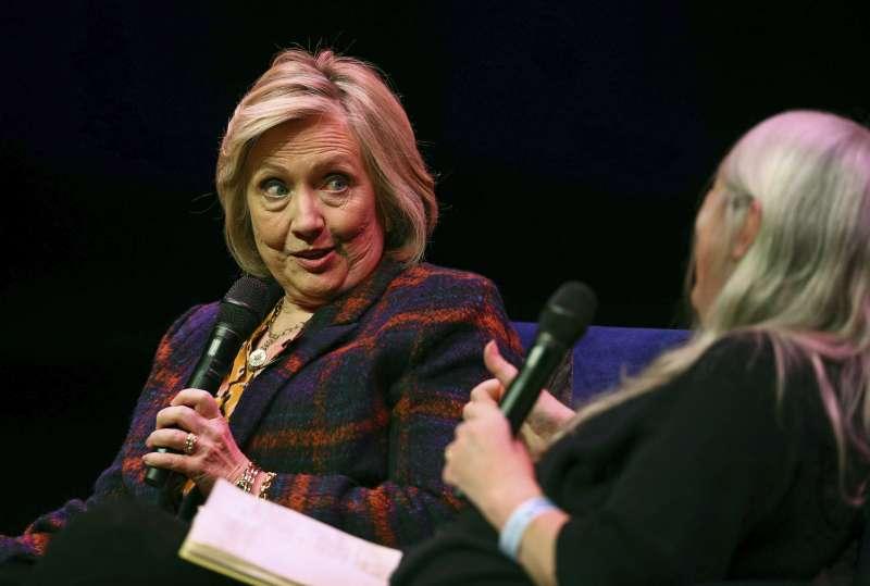希拉蕊.柯林頓直言,不排除再度問鼎白宮,參選2020年美國總統大選。(AP)