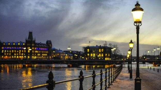 瑞典首都斯德哥爾摩夜景。(BBC中文)