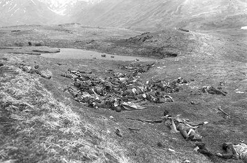 阿圖島戰役中日軍失敗的萬歲衝鋒後遺留的屍體。(圖/維基百科)
