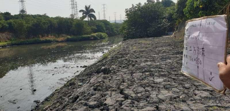 鹽水港溪渠道清疏(清疏後),提升在地排水防洪效能。(圖/水利局提供)
