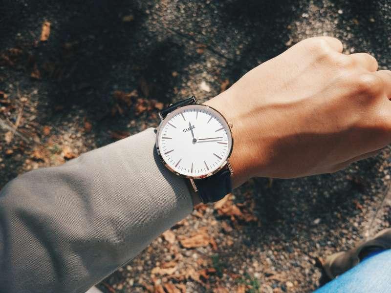 對錶的刻板印像ana-azevedo-XcUJUO2AqVA-unsplash.jpg