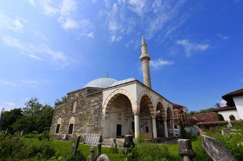 科索沃最知名的伊斯蘭建築:哈杜姆清真寺(Hadum Mosque),建於1595年。(圖取自Catun)