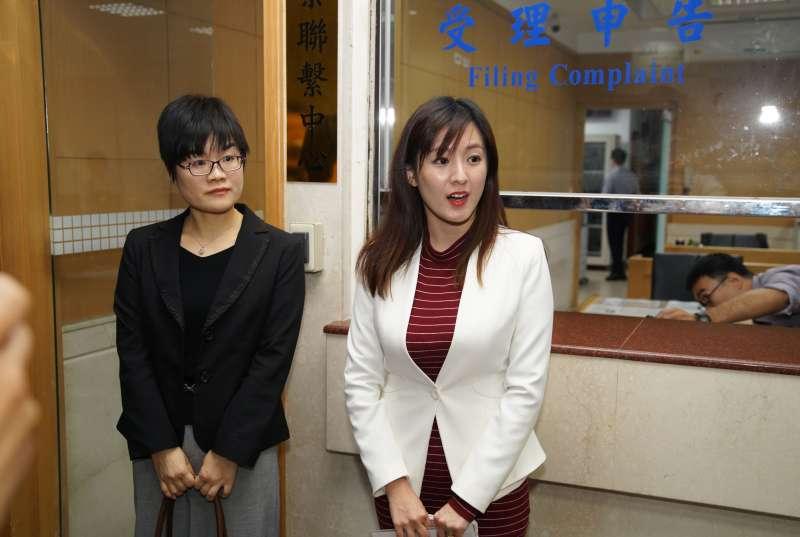 20191120-韓國瑜競選辦公室發言人何庭歡,偕同律師前往北檢針對壹週刊報導內容,與台北市議員阮昭雄進行提告。(盧逸峰攝)