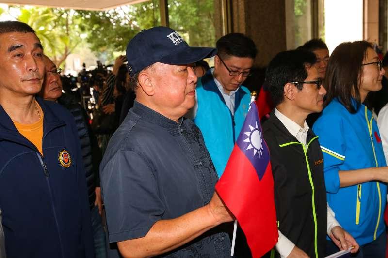 20191121-國民黨不分區立委提名人吳斯懷21日前往中選會進行登記。(顏麟宇攝)