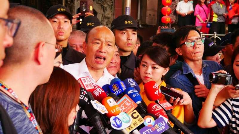 20191123-國民黨總統候選人韓國瑜23日前往台中大雅永興宮參拜。(潘維庭攝)