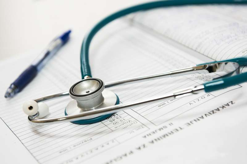醫生,診斷,聽診器。(示意圖,取自pixabay)