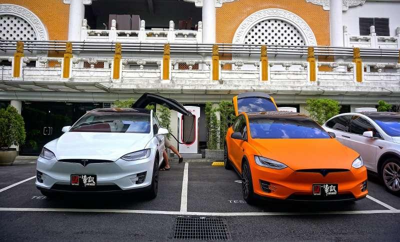 14 Tesla雖然10月份沒有出現爆量,但其實在6-7人座LSUV級距裡,Model X掛牌32輛僅次於級距冠軍Volvo XC90(76輛),10月份仍然超越Land Rover在高級品牌中排名Top 9。(圖/車訊網)