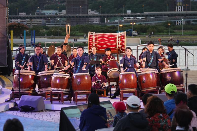 真如太鼓源自於日本傳統文化中的祭神儀式,以震撼聲響的鼓聲感謝神明,希望透過鼓聲敲醒內心深處的佛性,將歡喜的力量傳遞給他人(圖/風傳媒攝)