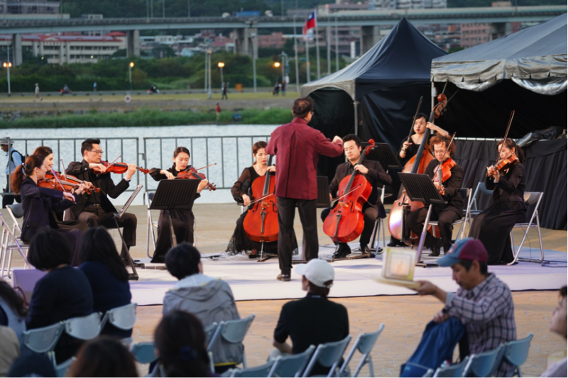 灣生樂團由新一代作曲家李哲藝先生所領導,希望藉由古典音樂讓大家更認識台灣的音樂與文化。(圖/風傳媒攝)