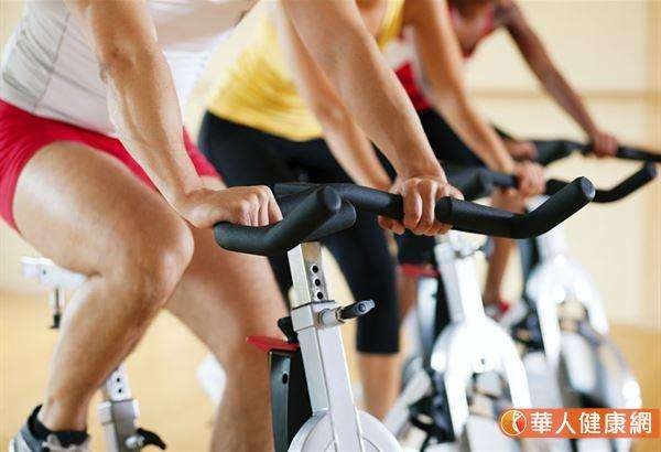 運動時發生猝死的風險整體而言不高,因噎廢食不運動罹患慢性病產生的風險代價更高。(圖/華人健康網提供)