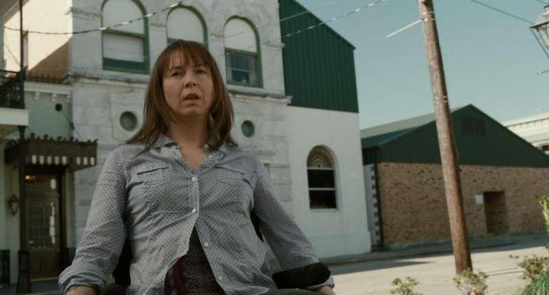 芮妮齊維格在《給自己的情歌》中飾演因車禍癱瘓失志,最後再重獲新生的歌手